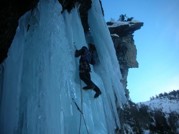 Cogne, ice climbing, alpine climbing, Alpine Energy Guiding, mountaineering & ski adventures, Andrew Lanham Mountain Guide, Chamonix, Aosta Valley, Swiss, lyngen alps