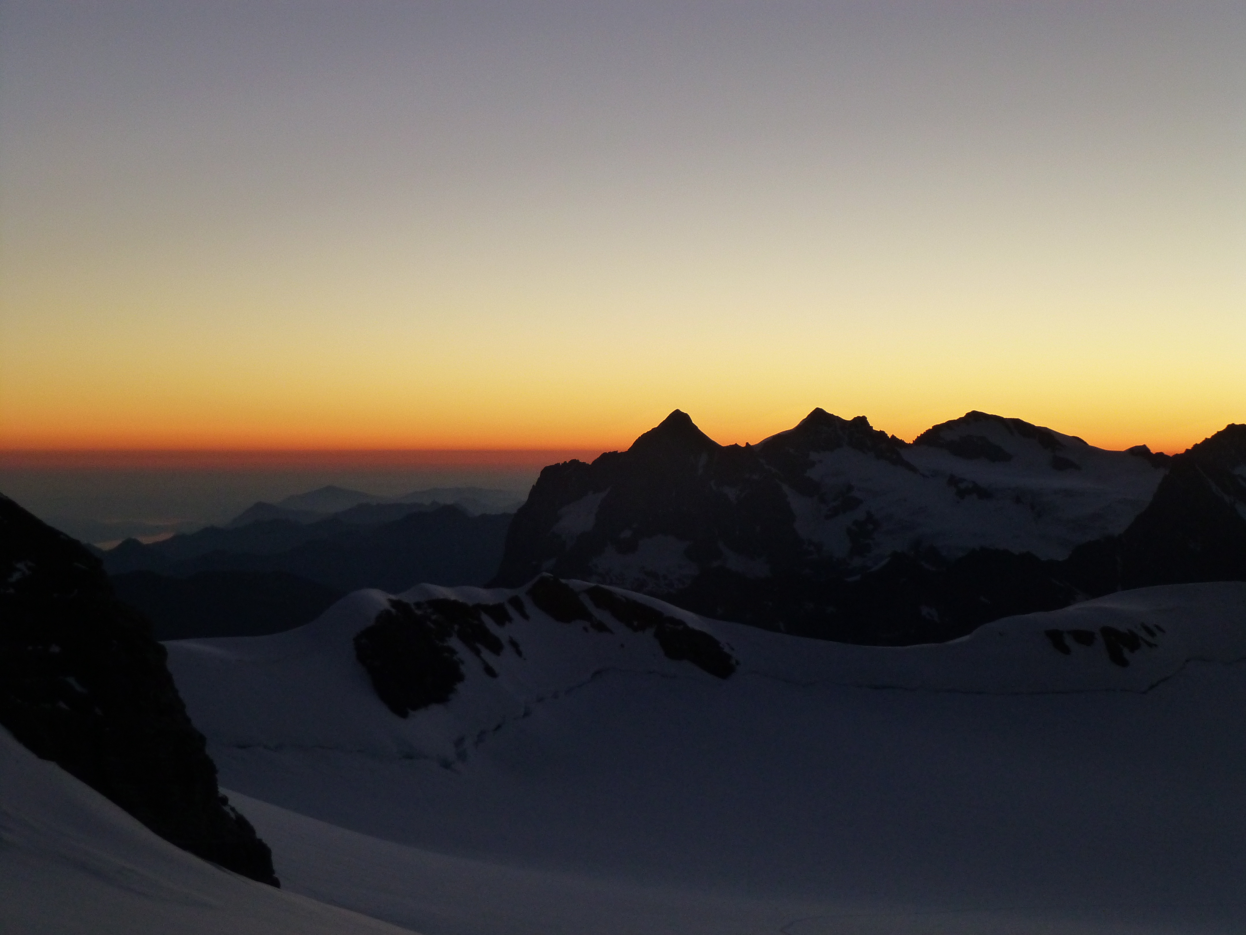 sunrise from the Monchjoch hut