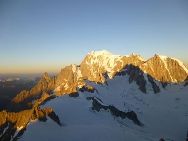 Mont Blanc range, Mountaineering course, Chamonix ski guide, haute route, chamonix climbing, Chamonix freeride, Chamonix mountain guides, Swiss mountaineering