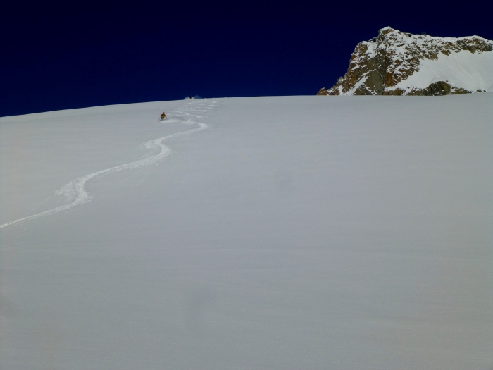 Vallée Blanche, Chamonix, off piste, ski off-piste, Ski touring, freeride, off-piste, backcountry, Alpine Energy Guiding, mountaineering & ski adventures, Andrew Lanham Mountain Guide, Chamonix, Aosta Valley, Swiss, lyngen alps