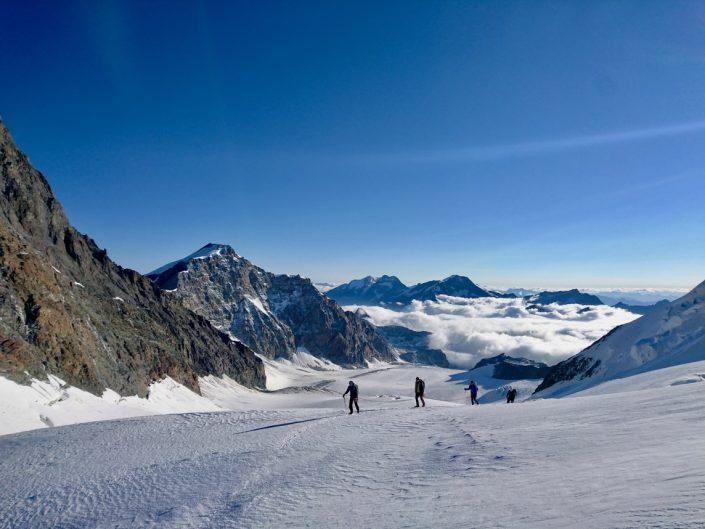 Strahlhorn, Mountaineering course, Chamonix ski guide, haute route, chamonix climbing, Chamonix freeride, Chamonix mountain guides, Swiss mountaineering