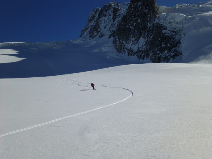 Courmayeur, Vallée Blanche, chamonix skiing, Ski touring, freeride, off piste, backcountry, Alpine Energy Guiding, mountaineering & ski adventures, Andrew Lanham Mountain Guide, Chamonix, Aosta Valley, Swiss, lyngen alps