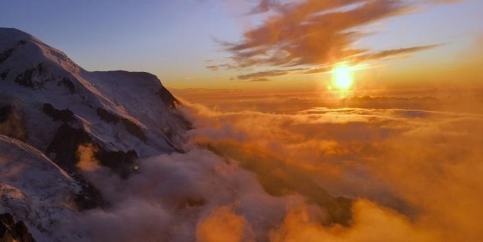 Mont Blanc sunset, Mountaineering course, Chamonix ski guide, haute route, chamonix climbing, Chamonix freeride, Chamonix mountain guides, Swiss mountaineering